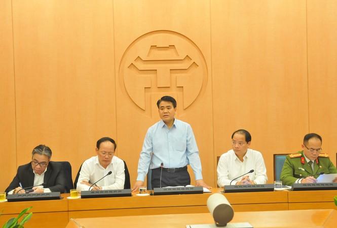 Chủ tịch UBND thành phố Hà Nội Nguyễn Đức Chung phát biểu tại buổi họp