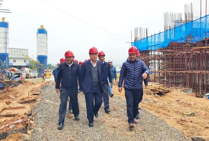 Chủ tịch UBND thành phố Hà Nội Nguyễn Đức Chung thị sát dự án nhà máy điện rác Sóc Sơn