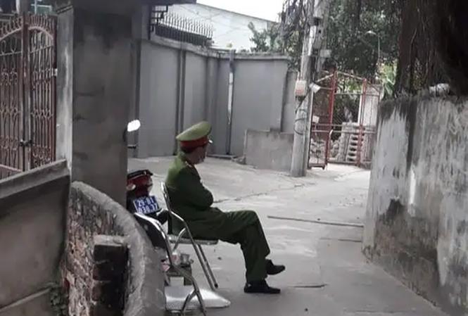 Công an lập chốt cách ly nhà bác sĩ trở về từ Quảng Ninh