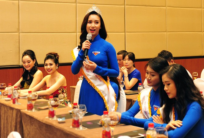 Hoa khôi cuộc thi Nữ sinh viên Việt Nam duyên dáng 2016 Đặng Thị Thu Hồng chia sẻ tại lễ phát động