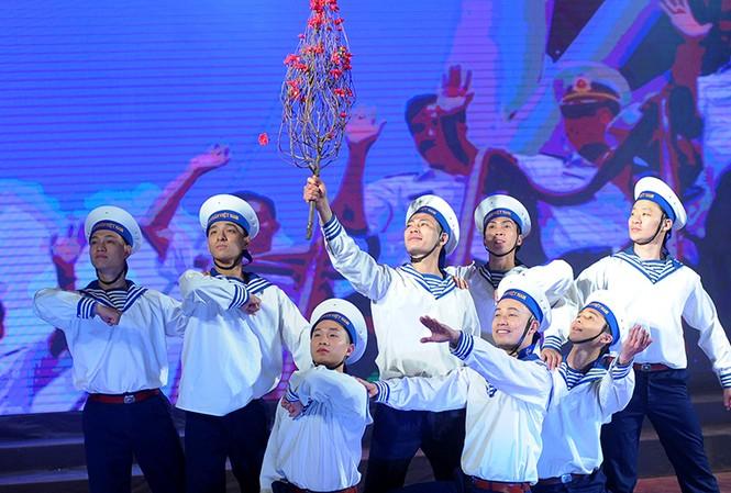 Xúc động đêm nghệ thuật 'Biển, đảo - Trái tim Việt Nam'