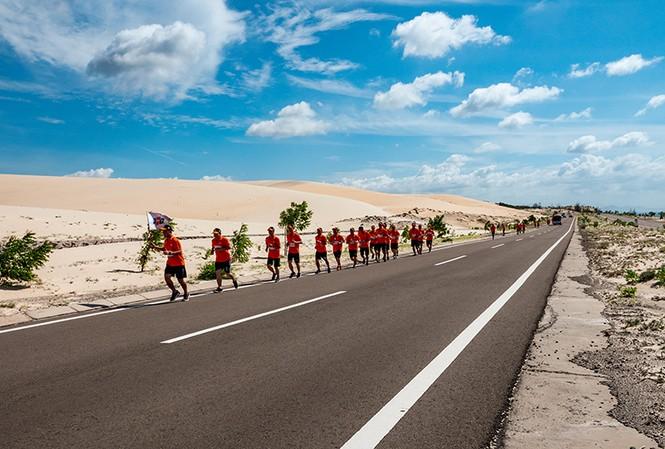 Việt Nam có kỷ lục thế giới chạy xuyên lãnh thổ Quốc gia
