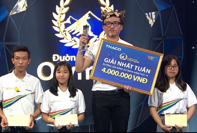 Khưu Minh Khoa (THPT Bùi Thị Xuân, TPHCM) giành nhất cuộc thi tuần tháng 3 quý 4. Ảnh: FBCT