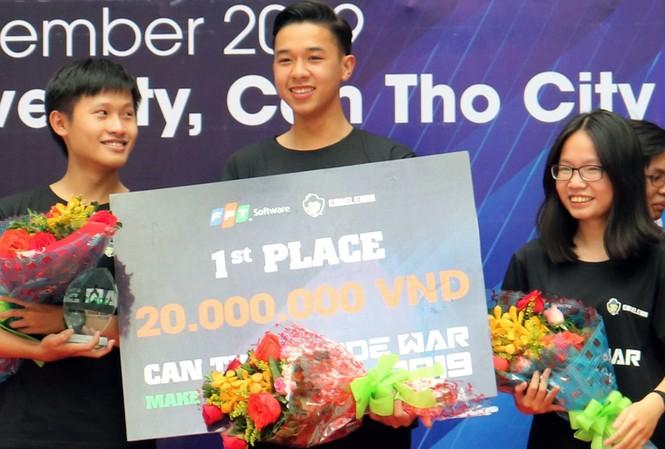 Ba học sinh THPT chiến thắng Codewar Cần Thơ 2019