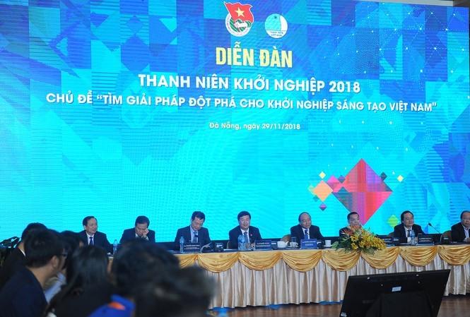 Thủ tướng chủ trì Diễn đàn thanh niên khởi nghiệp lần thứ I năm 2018. Ảnh: Xuân Tùng