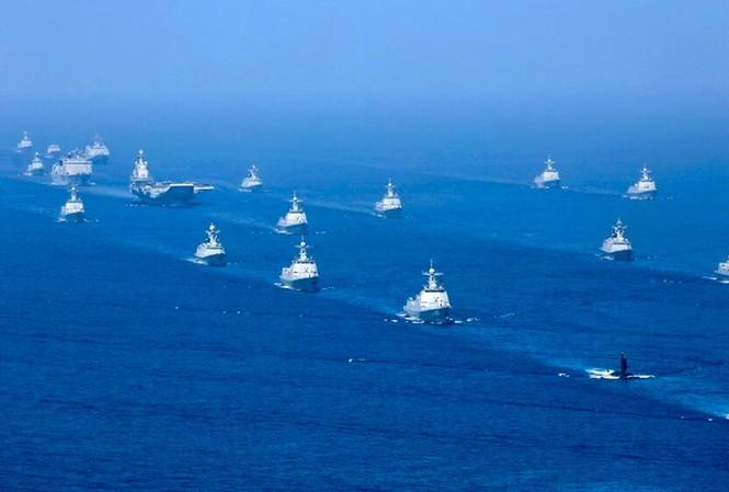 Mỹ cáo buộc Trung Quốc vi phạm chủ quyền của các quốc gia nhỏ hơn . Trong ảnh: tàu chiến Trung Quốc trong một lần tập trận ở biển Đông