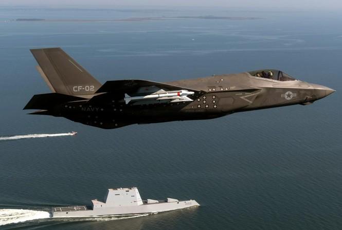 Tiêm kích F-35C của hải quân Mỹ