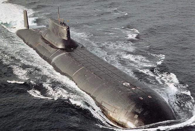 Một tàu ngầm Nga, NATO định danh là lớp Typhoon, hay theo phía  Nga là Akula (cá mập)