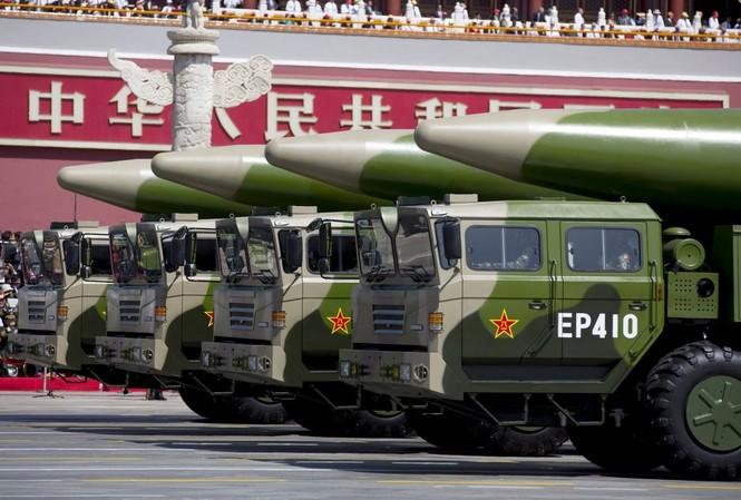 """DF-21D, """"sát thủ tàu sân bay"""" của Trung Quốc"""