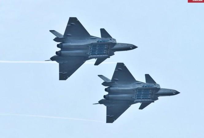 Tiêm kích J-20 Trung Quốc