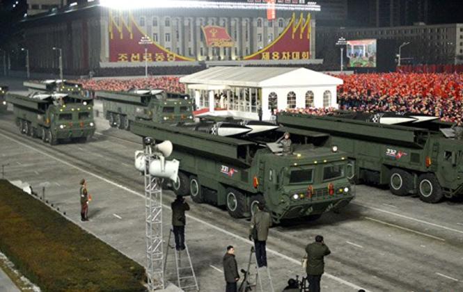 Một loại tên lửa đạn đạo chiến thuật chưa được đặt tên được trình diễn hôm 14-1