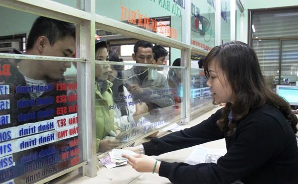 Người dân có thể mua vé tàu trước giờ đi tại ga Đà Nẵng