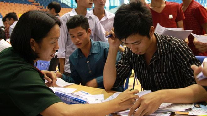 Tỉnh Đoàn Vĩnh Phúc thường xuyên tổ chức các ngày hội tư vấn việc làm. Ảnh: Trường Phong