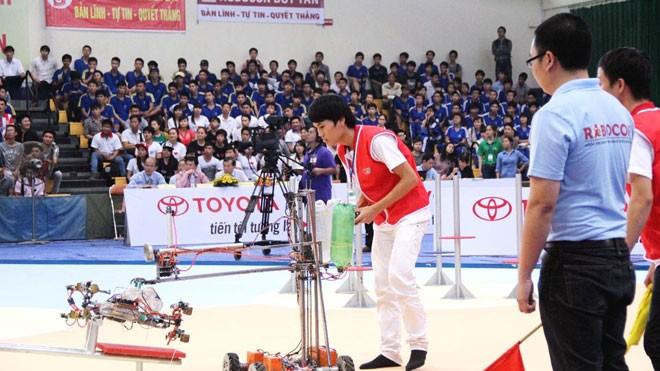 Khởi tranh Sáng tạo Robot khu vực miền Trung