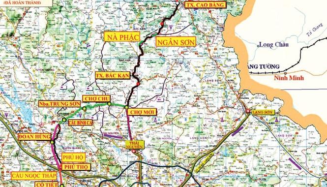 Bản đồ giao thông các tỉnh phía Bắc; Đường HCM nối giữa Bắc Kạn và Tuyên Quang màu xanh; hướng tuyến dự kiến của Cao tốc Thái Nguyên - Chợ Mới màu đỏ