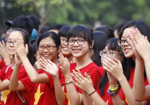 Học sinh Trường THPT Lương Thế Vinh trong lễ khai giảng ngày 4/9. Ảnh: Như Ý
