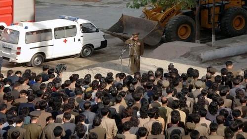 Một quan chức công khai xin lỗi ở quận Phyongchon , thành phố Bình Nhưỡng