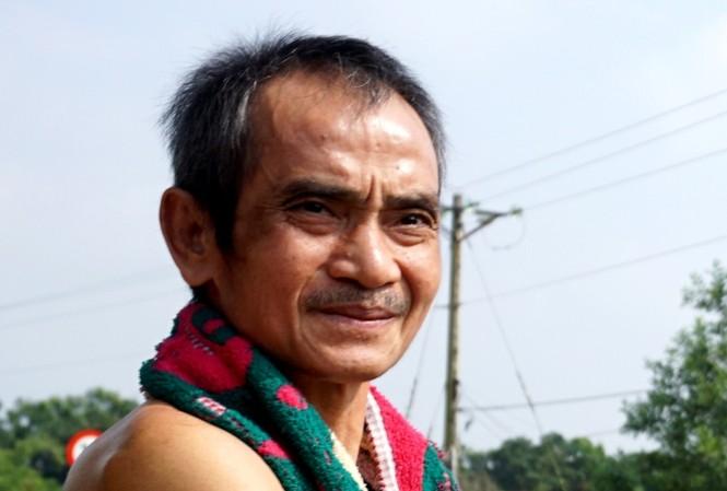 Ông Huỳnh Văn Nén sau khi được tạm tha, ngày 23/10/2015