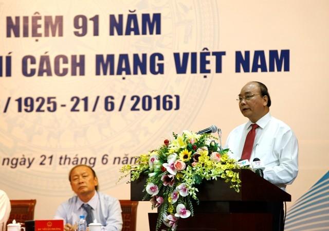 Thủ tướng Chính phủ Nguyễn Xuân Phúc phát biểu tại buổi gặp gỡ báo chí. Ảnh Như Ý
