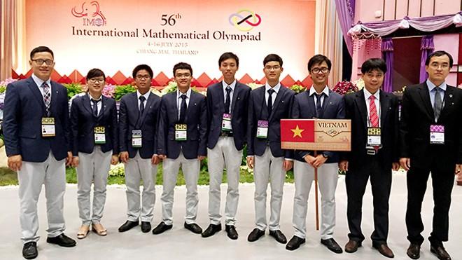Đoàn Việt Nam tham dự Olmypic Toán quốc tế 2015. Ảnh: VNU Media