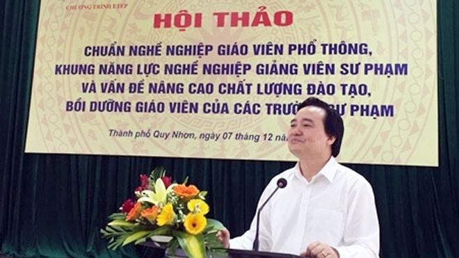 Bộ trưởng Phùng Xuân Nhạ chủ trì Hội thảo và phát biểu chỉ đạo.
