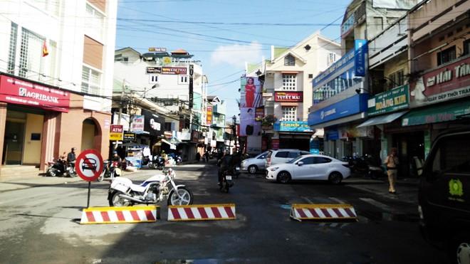 Cấm các loại ô tô lưu thông trên đường Nguyễn Văn Trỗi