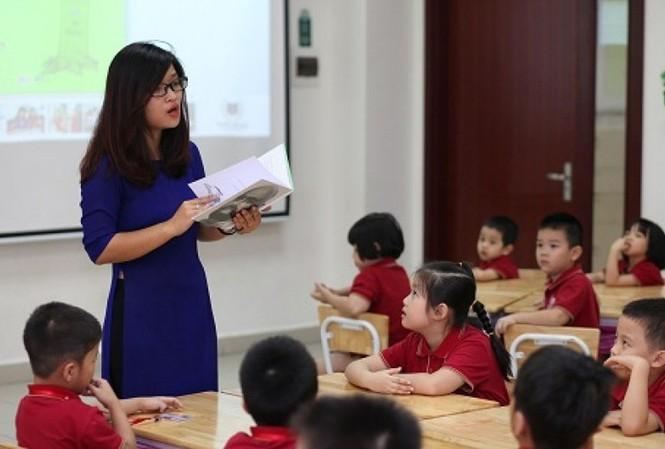 Điểm nhấn giáo dục: Tranh cãi lùn, thấp không được làm giáo viên