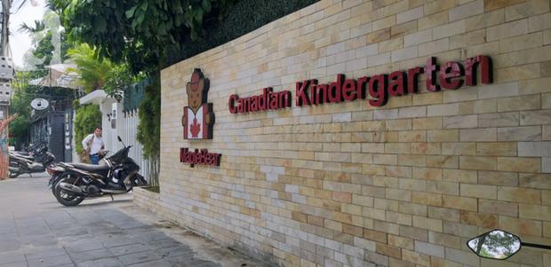 Trường Maple Bear bị giải tán trước 30/8, cô giáo nhốt trẻ trong tủ phân trần gì