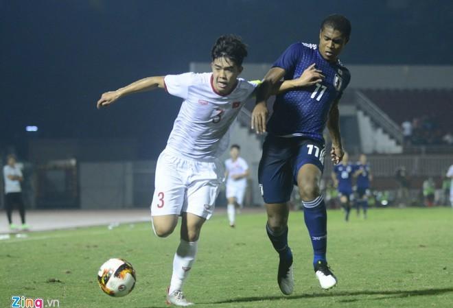 Hàng thủ U19 Việt Nam chơi tốt trước đối thủ mạnh hơn. Ảnh: Nguyên Trí.
