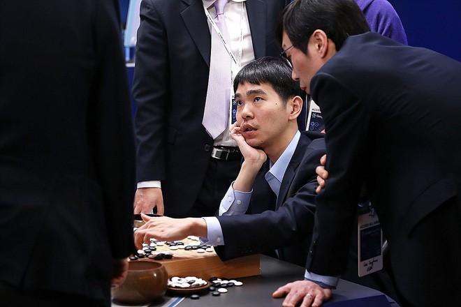 Thua trí tuệ nhân tạo, kỳ thủ 18 lần vô địch thế giới cờ vây tuyên bố giải nghệ