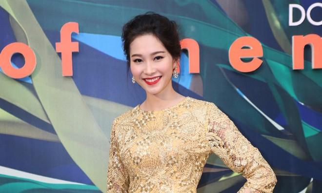 Hoa hậu Thu Thảo kiêu sa lấn át dàn mỹ nhân