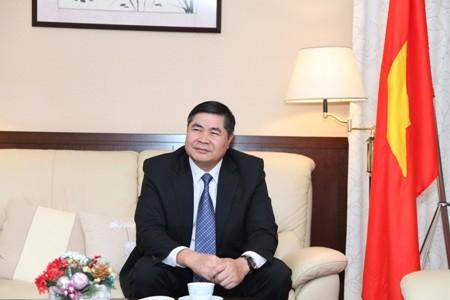 Đại sứ Việt Nam tại Nhật Bản Đoàn Xuân Hưng.