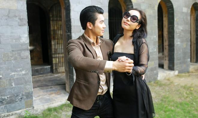 Trương Nam Thành tình tứ với Jmi trong MV ca nhạc của cô.