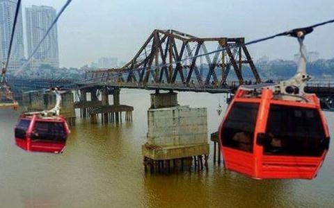ắp cáp treo vượt sông Hồng lợi hay hại?