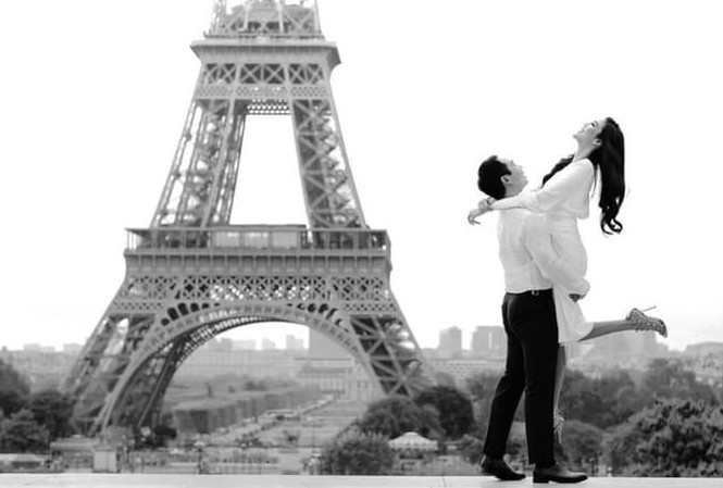 Hé lộ ảnh cưới lãng mạn của Lan Khuê và ông xã dưới chân tháp Eiffel.