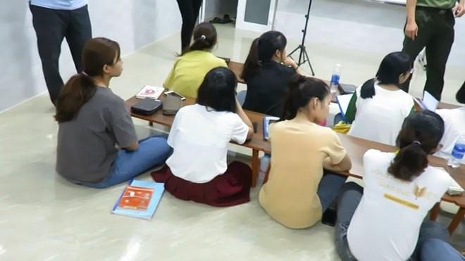 Công an đã kiểm tra hành chính và phát hiện trung tâm có 4 giáo viên truyền đạo trái phép.