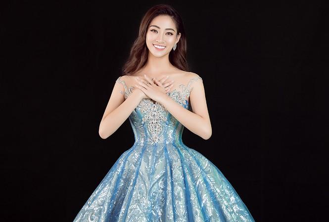 Lương Thuỳ Linh đẹp tựa Elsa, khoe tài hát tiếng Anh trong clip dự thi tài năng.
