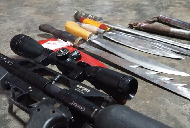 Nhiều vũ khí, hung khí phát hiện tại phòng ngủ của T.V.T.