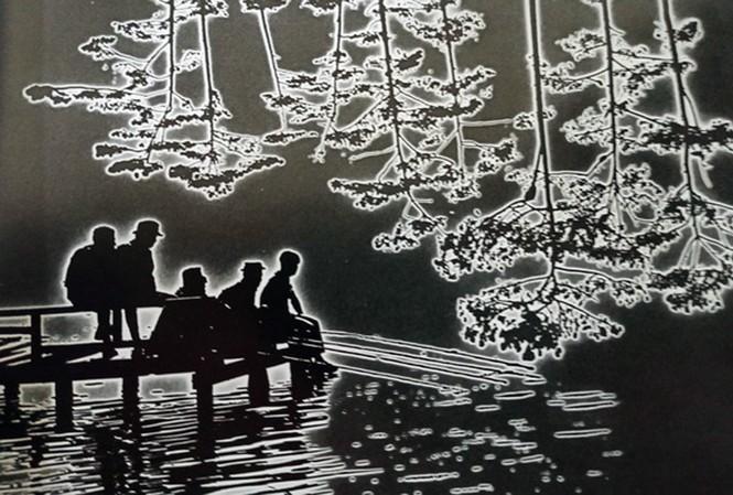 """Ảnh """"Buổi sáng trên hồ Đà Lạt"""" của cố nhiếp ảnh gia Nguyễn Bá Mậu."""