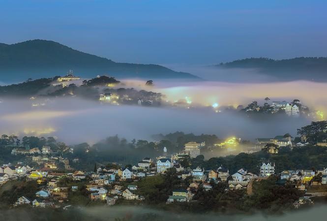 Phố sương Đà Lạt - ảnh Võ Trang