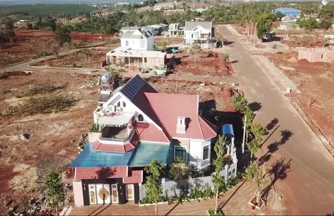 Biệt thự mọc trên đất nông nghiệp tại dự án của Cty Nam Sơn, phường Tân Lợi, TP Buôn Ma Thuột