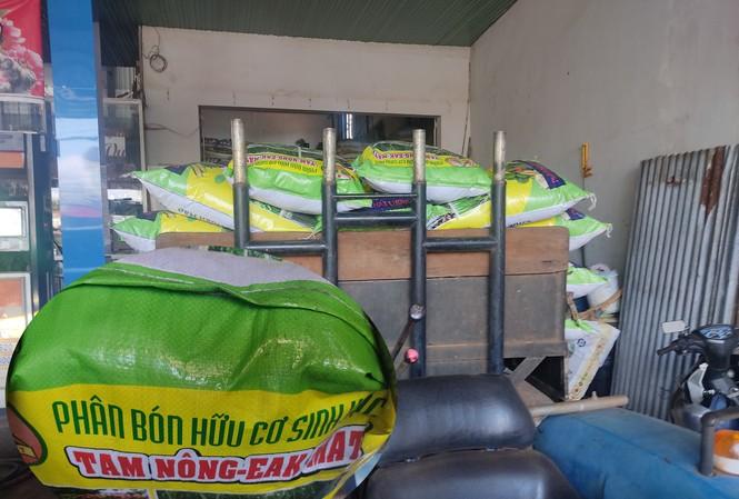 Dù chưa được cấp phép sản xuất, nhưng sản phẩm phân bón của Cty Tam Nông lại xuất hiện trên thị trường