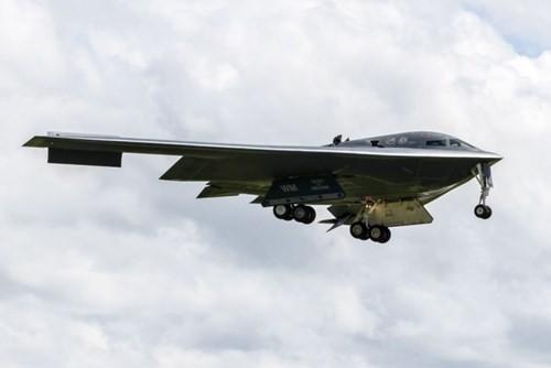 Cận cảnh siêu máy bay ném bom B-2 của Mỹ ở châu Âu