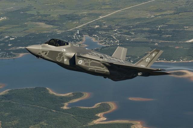 Vì sao Mỹ tiếp tục trình diễn F-35A sau sự cố?