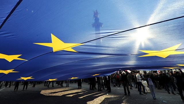 Liên minh châu Âu gia hạn lệnh trừng phạt đối với một số công dân Nga và Ukraine. Ảnh: AFP