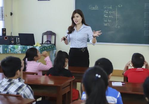 Một lớp học phòng chống xâm hại miễn phí của cô giáo ở Đà Nẵng. Ảnh: Nguyễn Đông