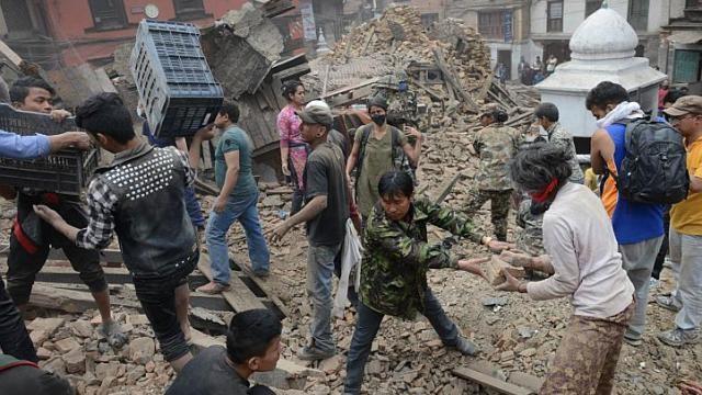 Mỹ, EU đồng loạt lên tiếng hỗ trợ Nepal sau thảm họa động đất