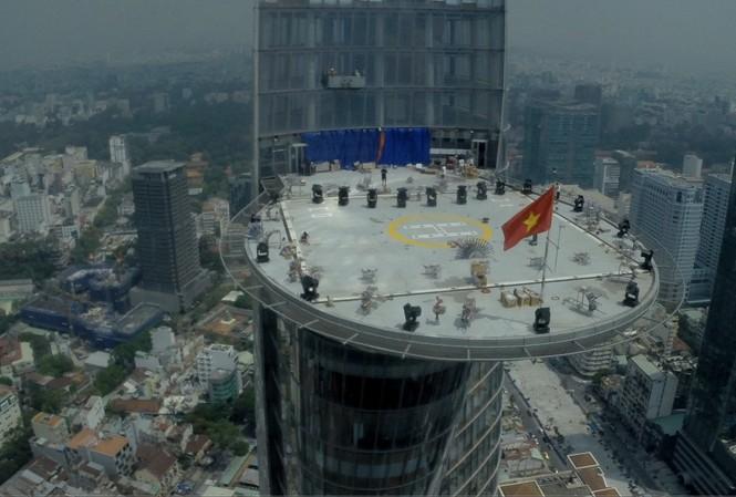 Mục kích 'trận địa' pháo hoa ở tòa nhà cao nhất TP.HCM