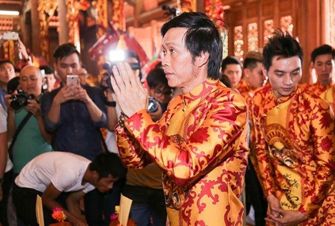 Cuộc sống Hoài Linh thay đổi sau khi hoàn thành nhà thờ tổ nghiệp