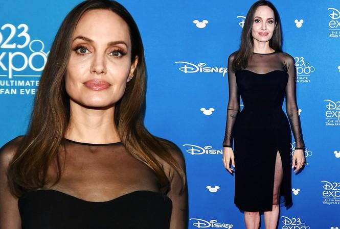 Angelina Jolie diện đầm cocktail cắt xẻ gợi cảm
